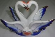 Сувенир Лебеди-парочка фарфор 12см
